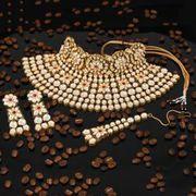 Buy bridal jewellery online at price